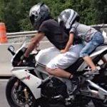 Enfant motard