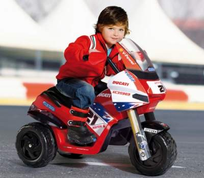 moto electrique enfant 2 ans univers moto. Black Bedroom Furniture Sets. Home Design Ideas