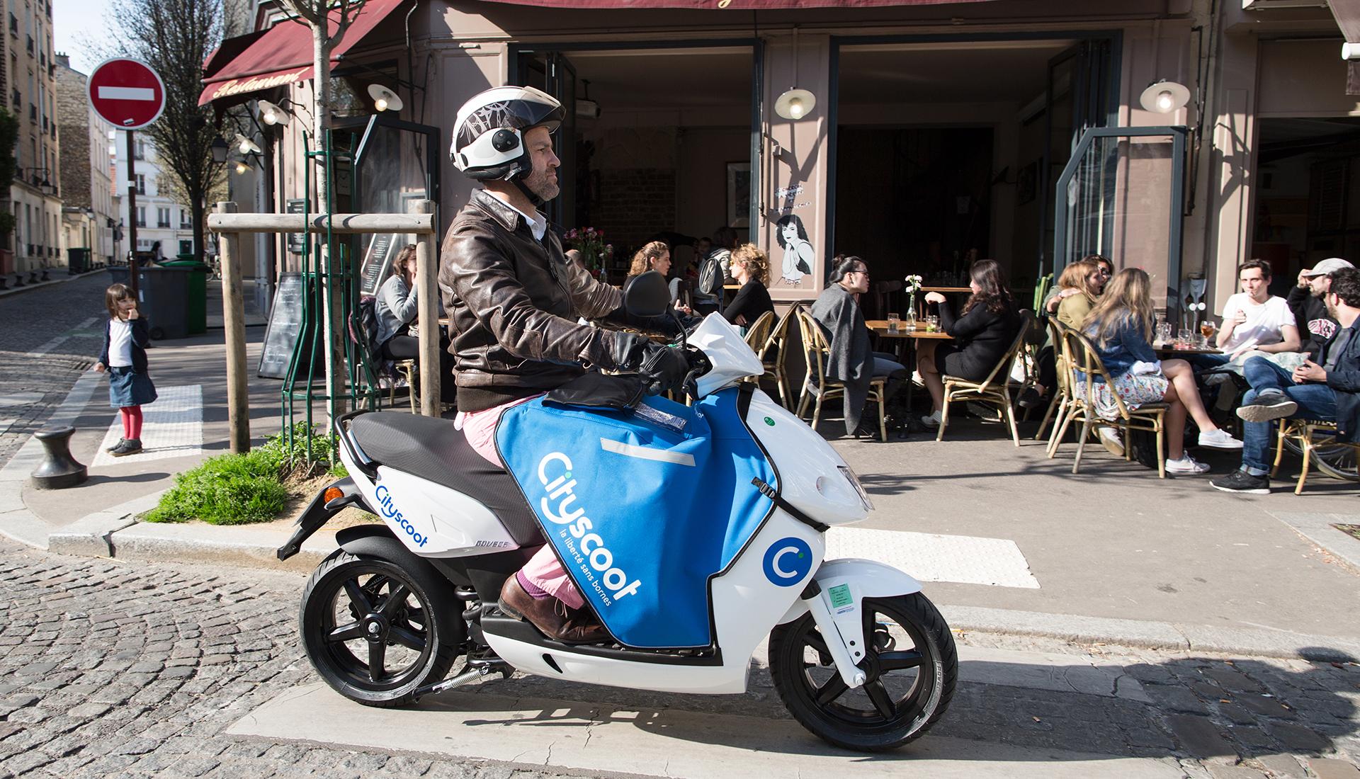 scooter electrique paris univers moto. Black Bedroom Furniture Sets. Home Design Ideas