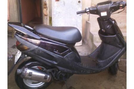 moto scooter a vendre univers moto. Black Bedroom Furniture Sets. Home Design Ideas