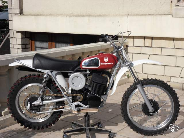 motos anciennes a vendre univers moto. Black Bedroom Furniture Sets. Home Design Ideas