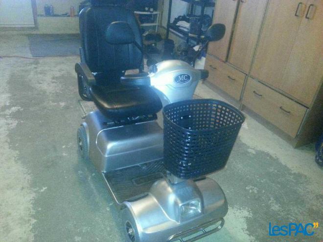 scooter a vendre usag univers moto. Black Bedroom Furniture Sets. Home Design Ideas