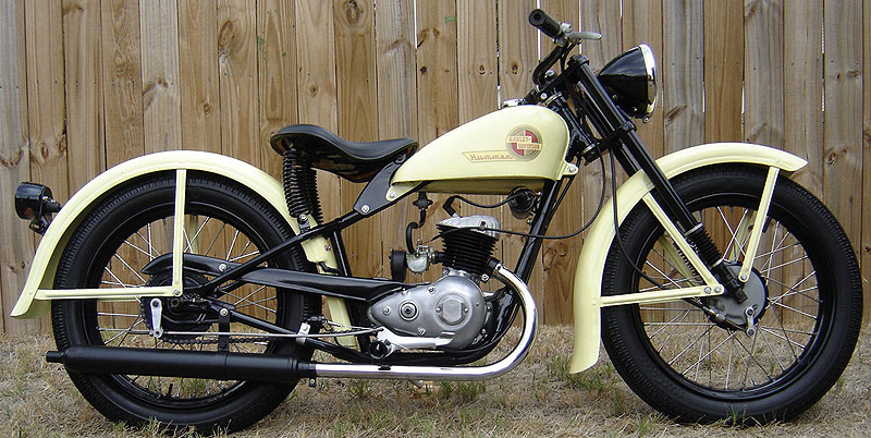 harley davidson 125 cm3 occasion univers moto. Black Bedroom Furniture Sets. Home Design Ideas