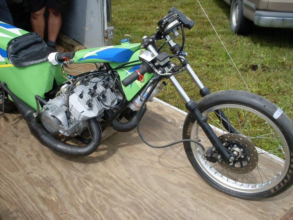 moto antique a vendre univers moto. Black Bedroom Furniture Sets. Home Design Ideas