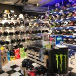 Vendeur casque moto