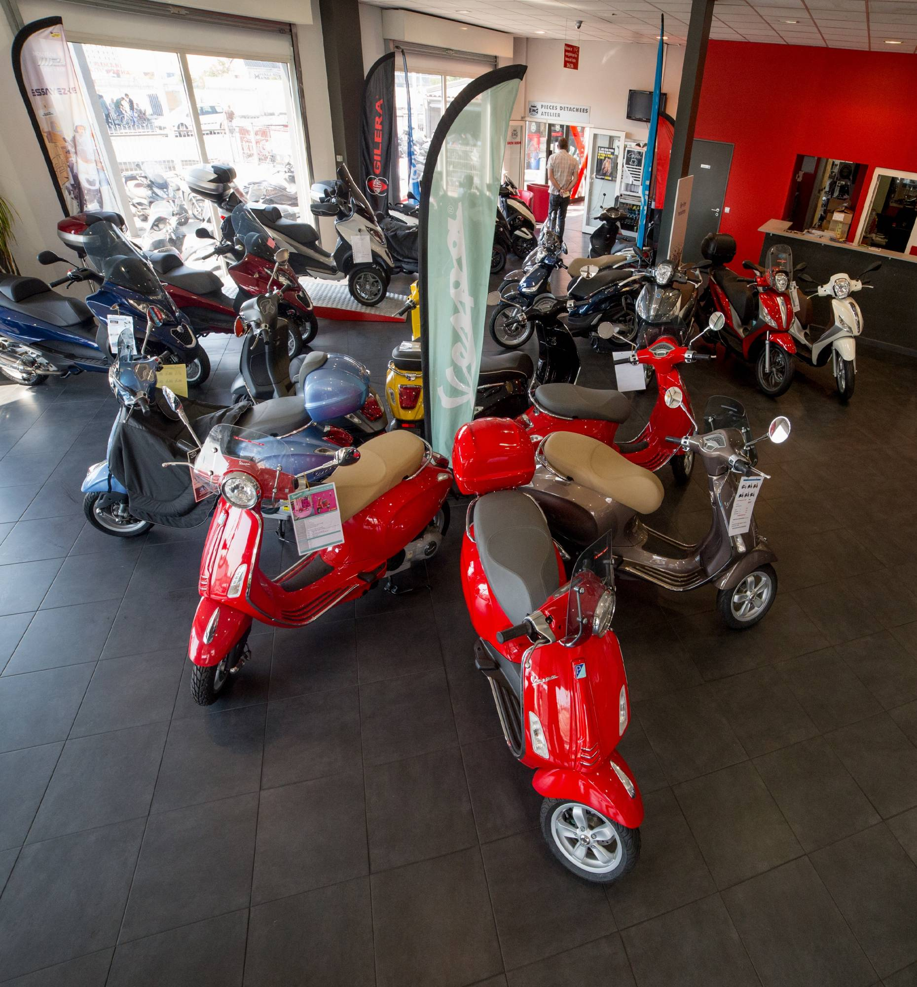 Concessionnaire scooter 125