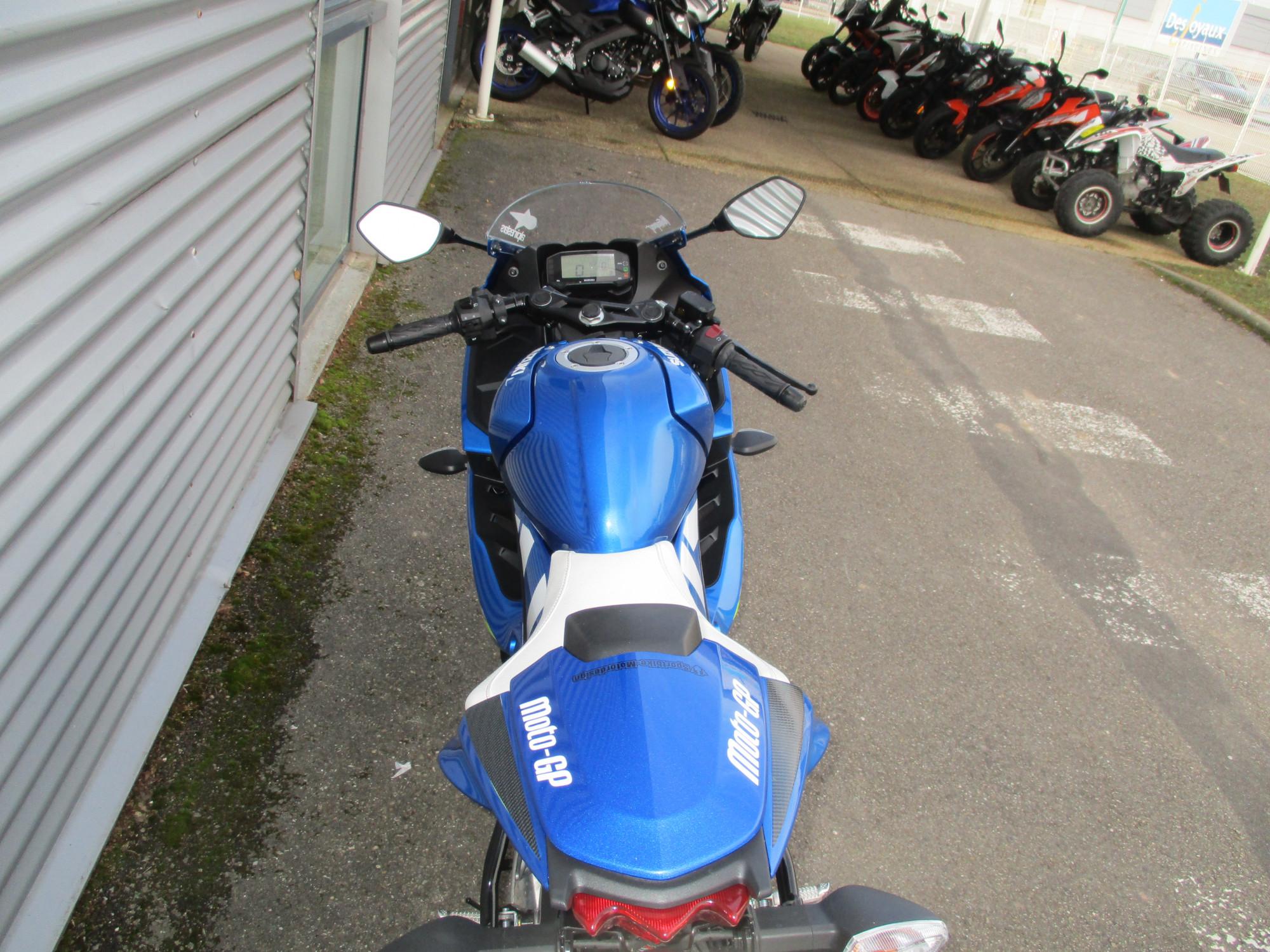 Suzuki moto macon