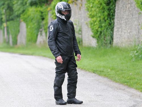 Test pantalon pluie moto