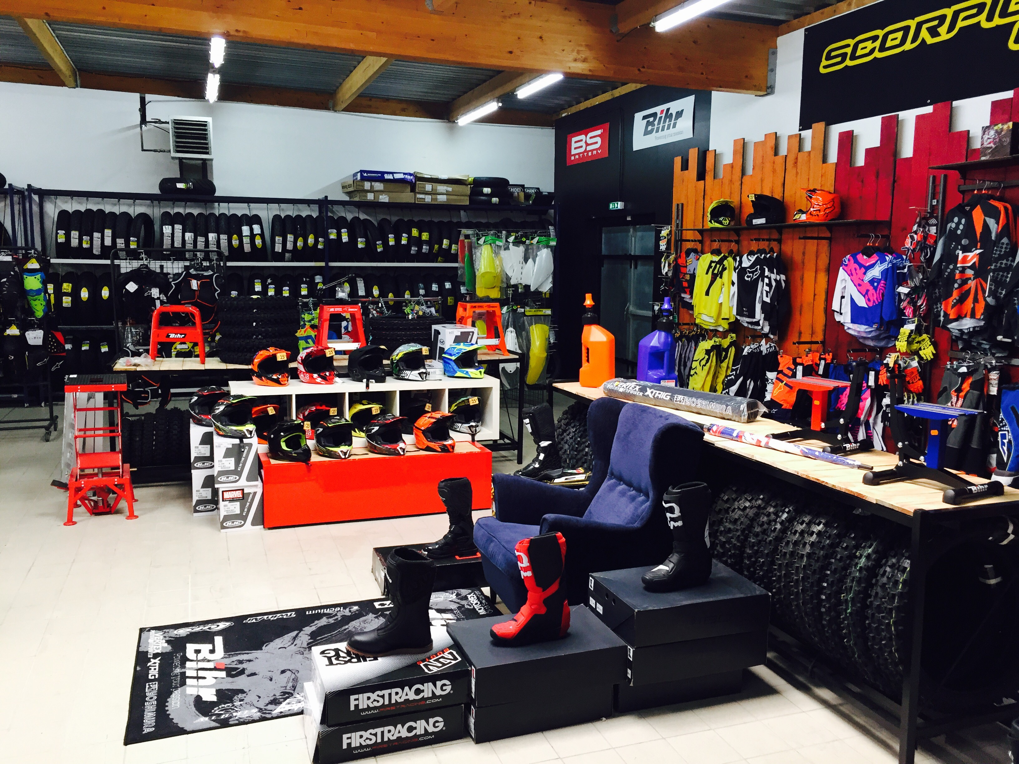 Magasin equipement moto 63