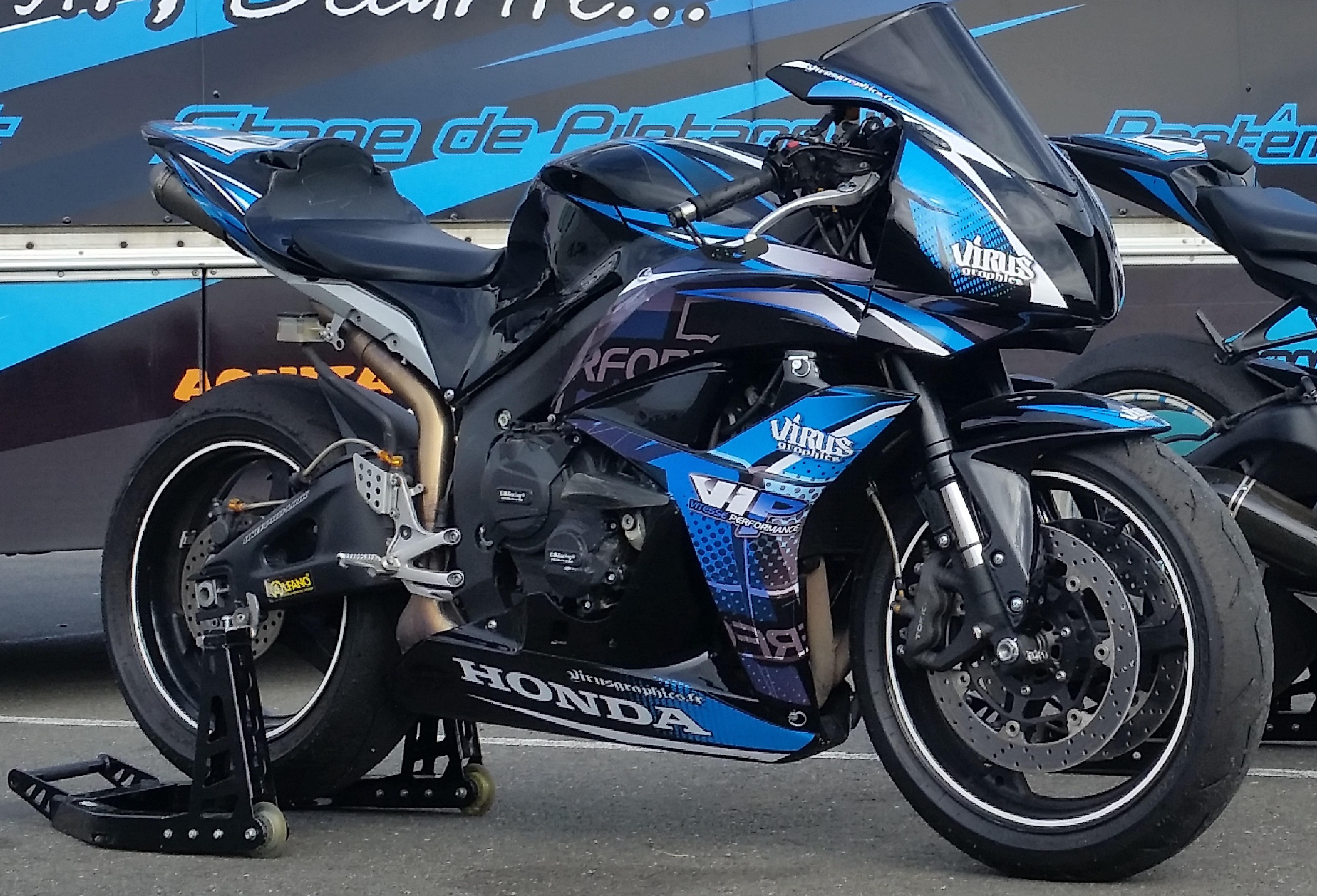 Location équipement moto