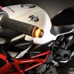 Moto équipement clignotant norme