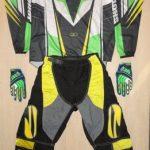 équipement de moto crosse