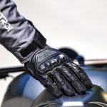 Crivit gant moto