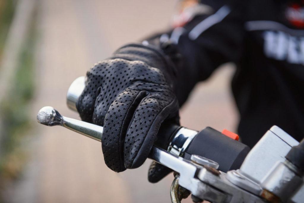 Gant obligatoire passager moto