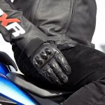 Loi sur les gant de moto