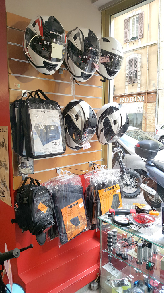 Magasin équipement moto antibes