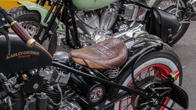 Nettoyage interieur pantalon cuir moto