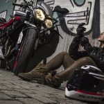 Equipement pour moto de piste
