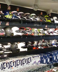 Magasin equipement moto 79